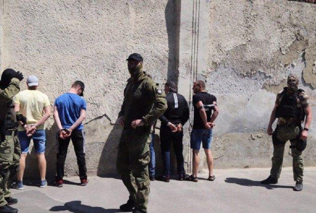 Бунт у колонії на Дніпропетровщині: полум'я охопило все навколо, що відомо
