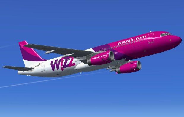 """Wizzair довела клієнтів до істерики: """"у пілотів закінчився робочий день"""""""