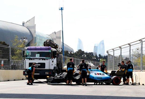 Гран-прі Азербайджану був зірваний через несподіванку на трасі: відео курйозу