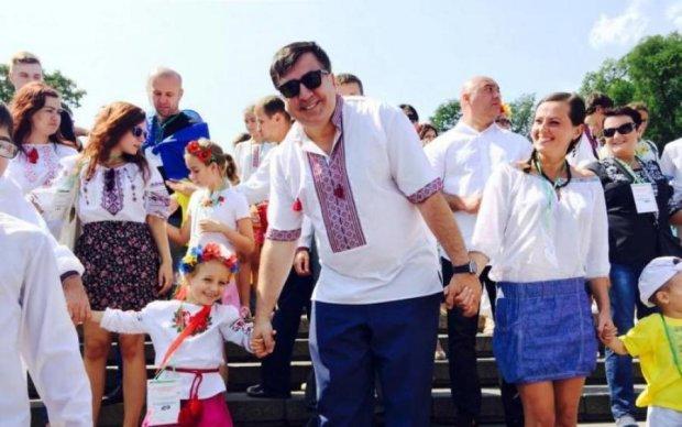 Журналист жестко высказался по лишению гражданства Саакашвили