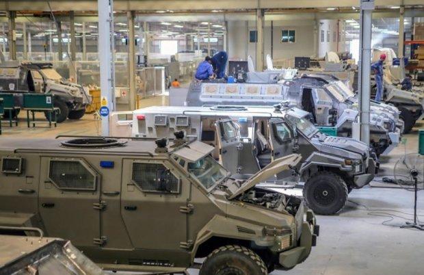 Арабські Емірати продадуть Україні безпілотники та броньовики