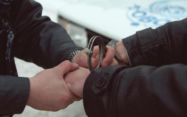 """Полювання на """"сім'ю"""" Януковича: силовики опублікували імена та відео"""