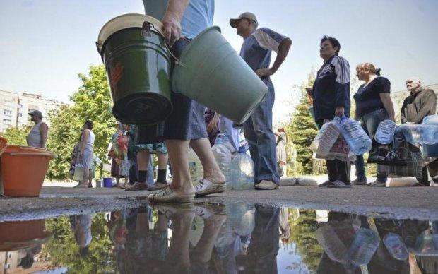 Надзвичайна ситуація: українці можуть залишитись без питної води