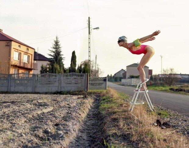 Лукашенко понравилось бы: в Беларуси девушка устроила уникальную фотосессию с картофелем, фото 18+