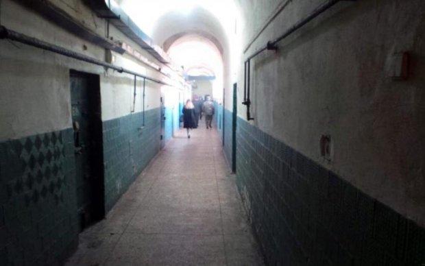 Бився головою об стіну: в Лук'янівському СІЗО помер молодий засуджений