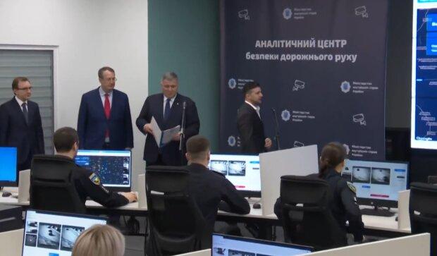 Презентация автоматической фиксации нарушений ПДД, фото: Facebook / Офис Президента
