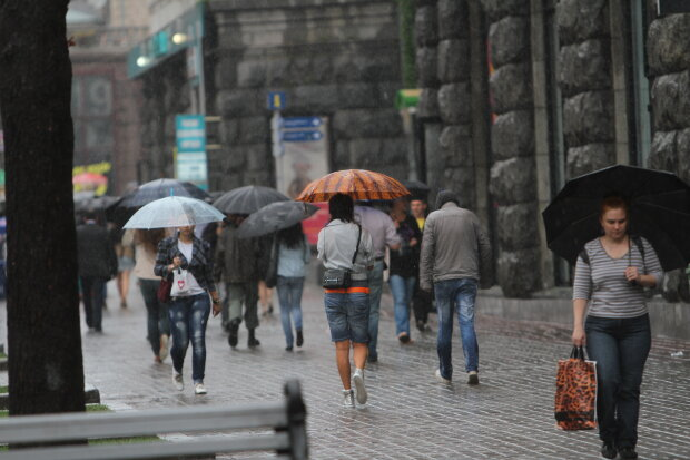 Львівщину накриє стихійний Апокаліпсис, готуйтеся до найстрашнішого: рятувальники радять не жартувати