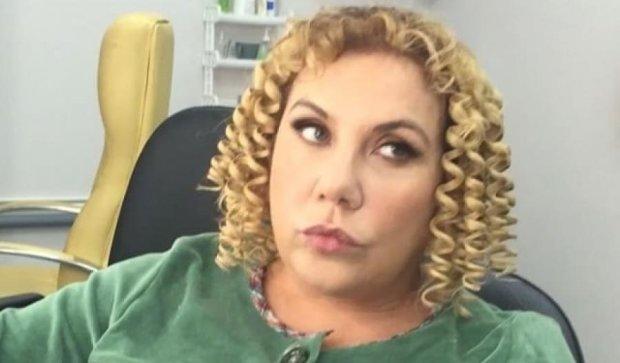 Одиозная звезда Comedy Woman стала миллионершей