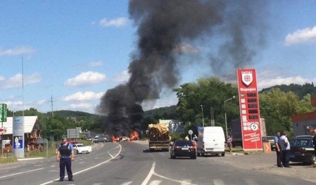 Мешканців Мукачева евакуюють через стрілянину