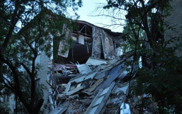 Потужний вибух у Донецьку: у мережі показали руйнівні наслідки