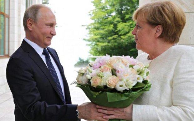 Чей Крым? В разговоре Меркель и Путина заметили тревожную деталь