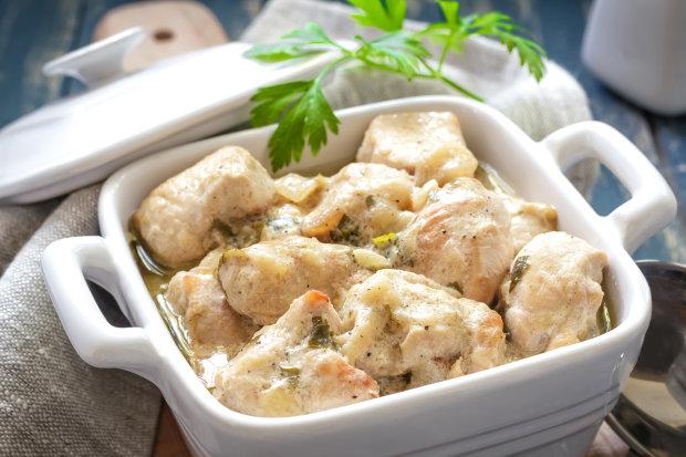 Вкусный рецепт курицы в кефире с картофелем в духовке