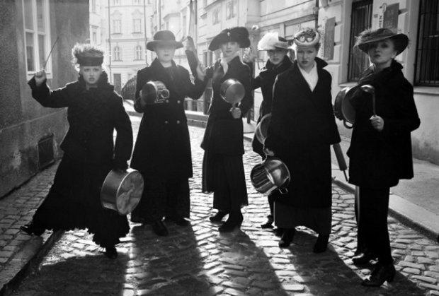 Марш порожніх каструль: як розгнівані текстильниці влаштували страйк, який змінив світ