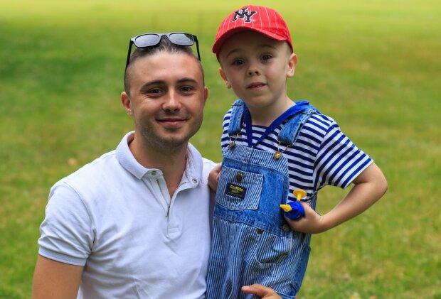 Тарас Тополя с сыном, фото - UNFPA Ukraine