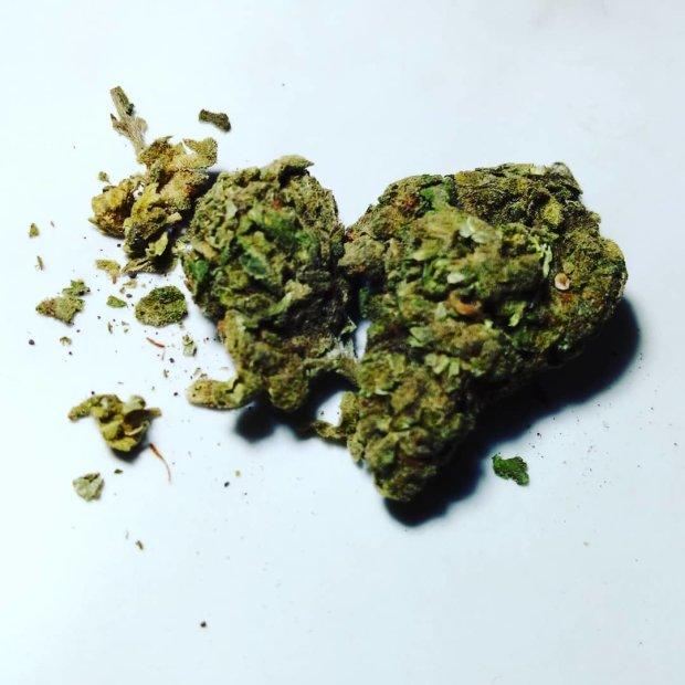 Давление при употреблении марихуаны body shop крем из конопли