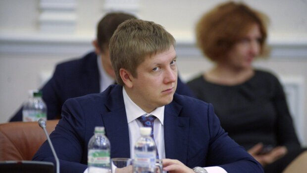 """Блогер озвучив прірву у зарплатах Коболєва і Зеленського: """"В 1000 разів більше..."""""""