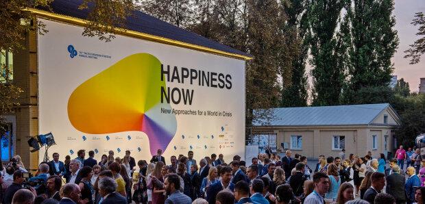 Приклад для Вакарчука і секрет успіху Зеленського: найяскравіші висловлювання учасників форуму YES-2019