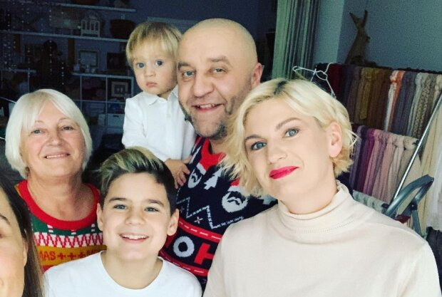 Егор Крутоголов с семьей, фото с Instagram