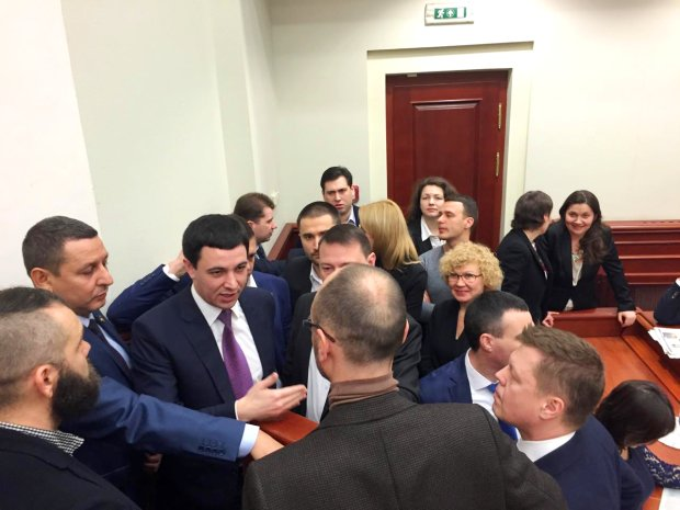 Депутати Київради ганьблять Україну на весь світ: нардепи вимагають схаменутися