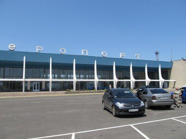 Директор аеропорту жорстко висловився про скасування рейсів Миколаїв-Київ: Я зараз підключаю юристів і будемо розбиратися з цим