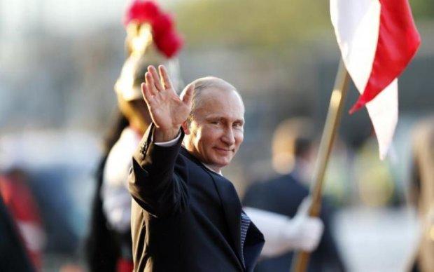 Неадекватная фанатка Путина опозорилась на весь мир: видео 18+