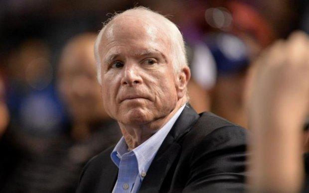 """""""Маккейн, не сдавайся!"""": решение американского сенатора шокировало мир"""