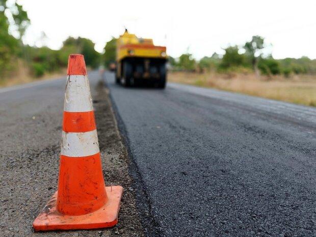 Ремонт доріг, фото: ugra-tv