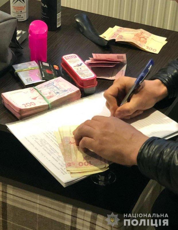 Вибори у Раду 2019: в Авдіївці українцям підсунули ручку зі зникаючими чорнилами, відео