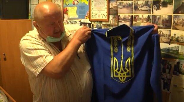 Мать четверых детей сделала вышиванки для украинских героев — национальные цвета и герб на груди