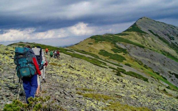 Даже природа восстала: украинские Карпаты едва не похоронили туристок из Москвы