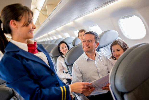 Чем опасен туалет в самолете, бортпроводник открыл пассажирам неприятную правду