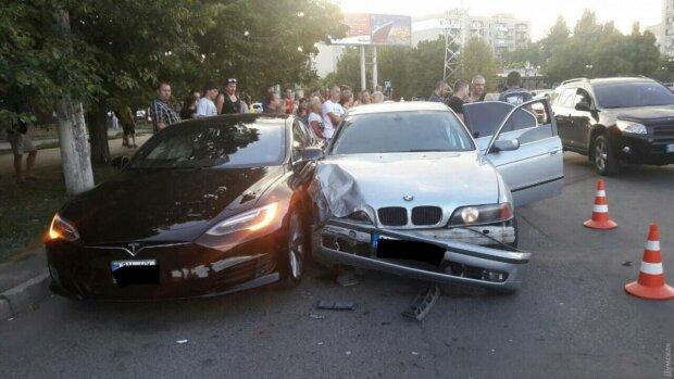 """В Одесі об'явилася """"подружка"""" Зайцевої, хотіла проскочити: деталі страшної аварії"""