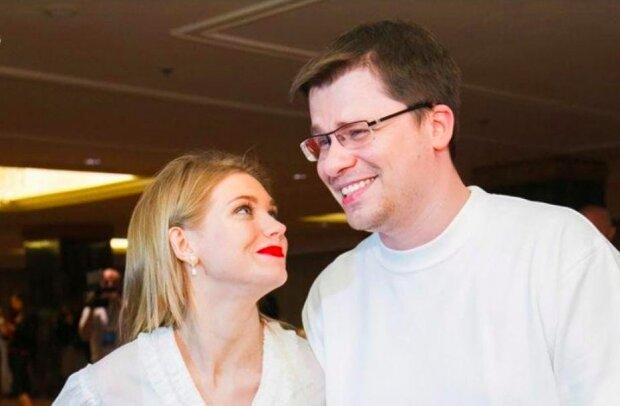 "Жена Харламова Асмус откровенно заговорила о разводе: ""Кольца не носим"""