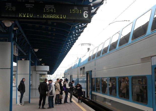 Укрзализныця запускает новый поезд: откуда, куда и зачем