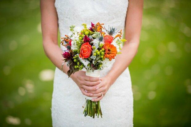 Невеста, свадебный букет, иллюстративное фото: pixabay.com