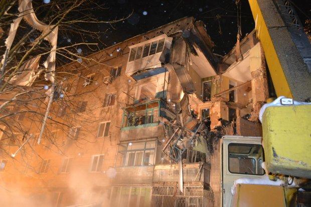 В Славянске взорвалась многоэтажка, есть пострадавшие