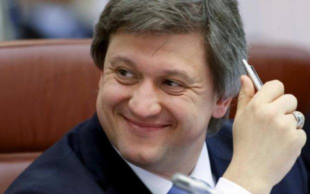 """Министр финансов Данилюк купил себе в Лондоне """"хатынку"""": фото"""