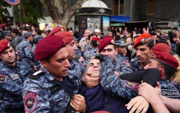 Збулися найгірші очікування Вірменії: нова хвиля арештів