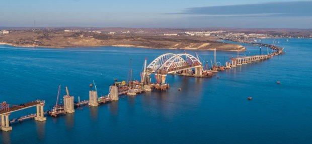 Путин собирается добить Крым еще одним мостом: карта и подробности
