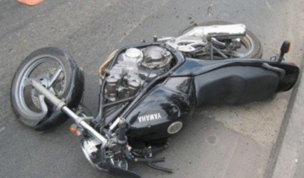 На Сумщине мотоциклист сбил мать и ребенка