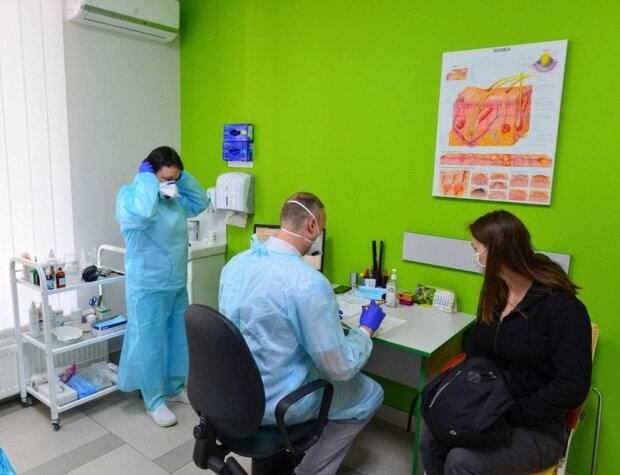 На Буковине семейные врачи будут вкалывать без выходных