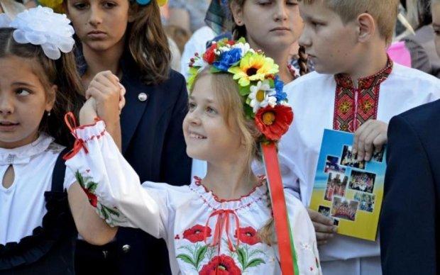 Главное за ночь: отмена 1 сентября и охота на украинцев в Европе