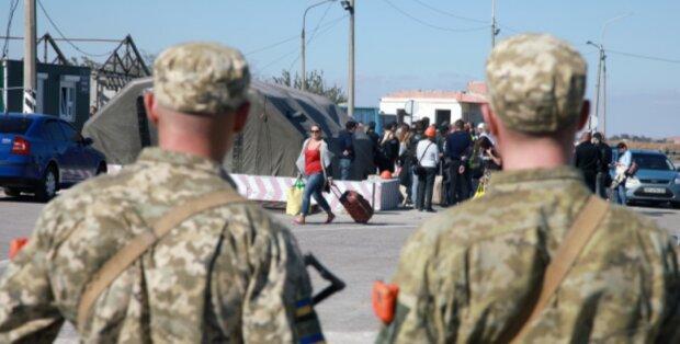 """Відома російська письменниця сказала, чиїм повинен бути Крим: """"Нещасне місце"""""""