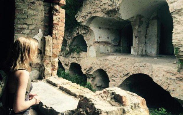 Руїни для привидів: наймістичніше місце України, про яке ви точно не знали
