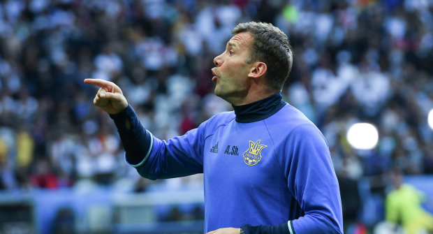 Між ніг: Шевченко познущався над футболістом під час тренування