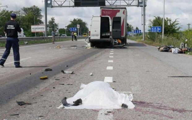 Багато трупів: пасажирка поділилася кривавими подробицями ДТП під Житомиром