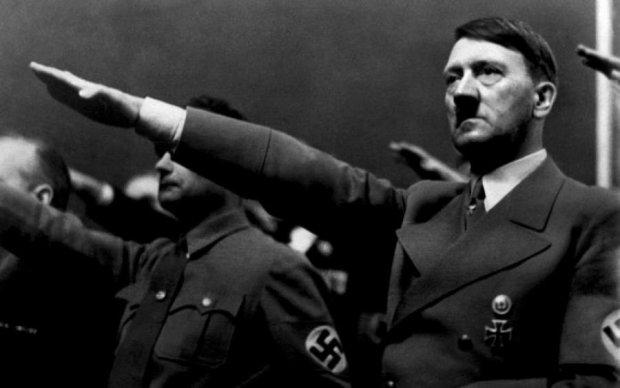 На війні, як на роботі: скільки Гітлер платив своїм офіцерам