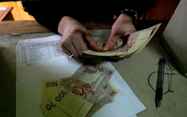 """Будьте уважні: українцям масово підсовують """"фальшивки"""""""