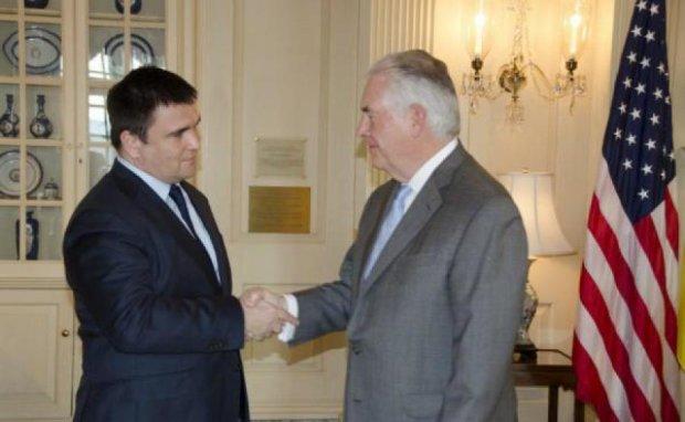 Санкции будут продолжаться до деоккупации Донбасса и Крыма, - госсекретарь США