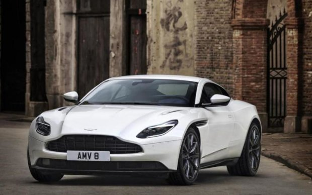 Aston Martin похвалилася розкішним суперкаром